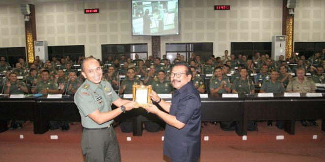 PEMPROV JATIM TERUS BANGUN KERJASAMA DENGAN TNI/POLRI