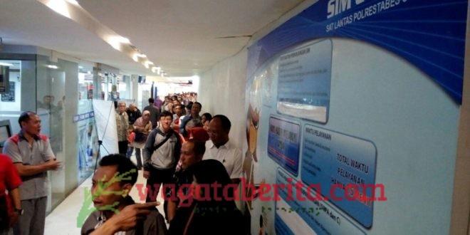 Sim Corner Di Surabaya Diserbu Warga Wagata Berita